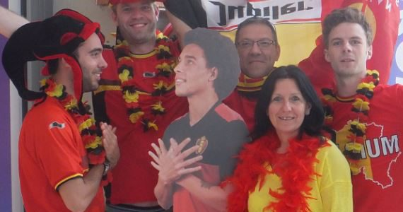 Stem via onderstaande link op de selfie van 't Gareel, zodat we kans maken op een BBQ tijdens één van de matchen van de Rode Duivels : http://www.proximus11.be/nl/algemeen/rode-duivels/parijs/?iframeUrl=http://selfie.rendez-vousaparis.be/nl/Home/Index